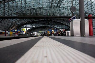 Εκκενώθηκε σταθμός τρένων στο Βερολίνο για ύποπτο πακέτο