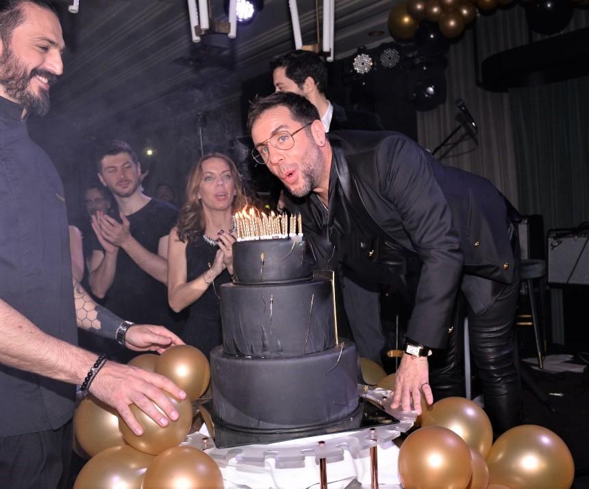 Γιώργος Μαζωνάκης: Πάρτι υπερπαραγωγή για τα γενέθλιά του!