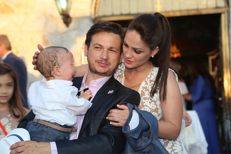 Ο Σταύρος Νικολαΐδης βάπτισε τον γιο του